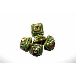 Carré bombé en céramique 18x13 mm vert x 2