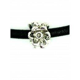 Perle anneau fleuri 11x9 mm argenté antique x 1